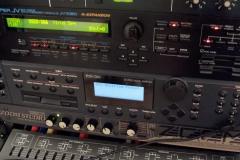 Yber Music Synthesizer Rack
